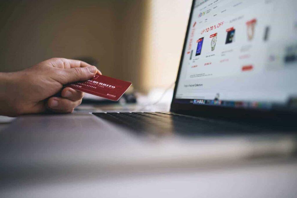 Consumidor tem direito a devolução em compras realizadas online
